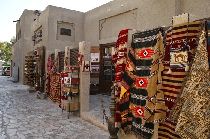 古き良きアラブを体験したいならぜひ訪れて欲しいのがバスタキア地区。ギャラリーも多い、アートに溢れたスポットです。