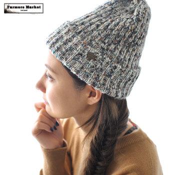 ニット帽・ベレー帽・フェルト素材のハットなど、冬のコーデに大活躍するあったかい帽子。でも、色やデザインが豊富過ぎて、何をどんな風に合わせればいいのか分からなくなることもありませんか?そこで今回は、コーデ上級者さんたちの帽子コーデを集めてみました。コートやマフラーとのバランス、かぶる角度など、いろいろなテクニックを参考にしてみて下さいね!