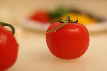 いかがでしたか?野菜や果物をまるごと使った見た目も彩り鮮やかなレシピの数々。意外と簡単に作れるレシピもあるので、気に入ったレシピを見つけたら試してみてください。おもてなしレパートリーが増えるかもしれませんよ。