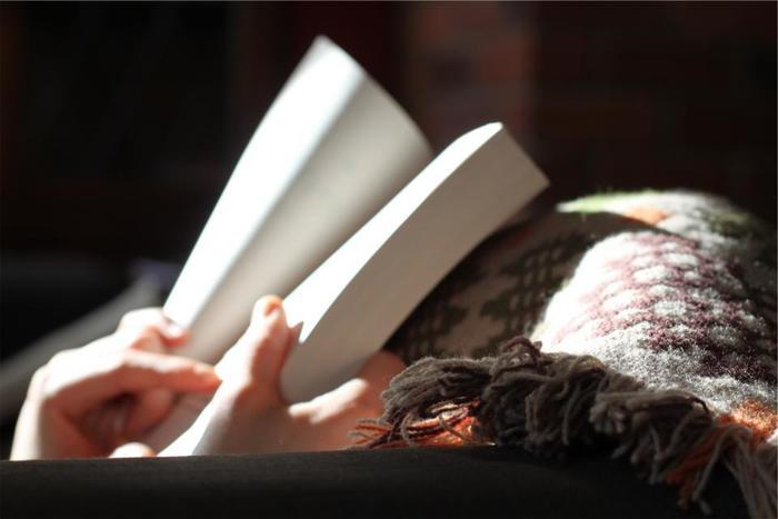 誰にも邪魔されず、本の中にどっぷりつかる時間も贅沢ですよね。