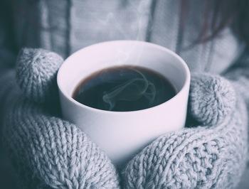寒い日は、特に温かいコーヒーがじんわりと沁みます。コーヒーを淹れてほっと一息…