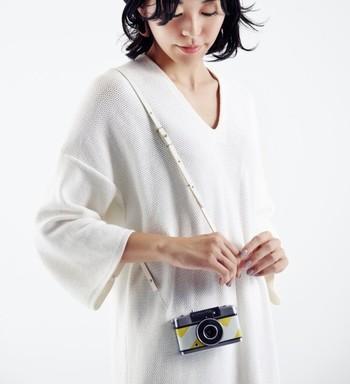 Rie-Cameのジュエリーとカメラストラップ、いかがでしたでしょうか。どちらもカメラを大切にしたい、カメラの魅力を伝えて行きたいという、Rie-Cameのカメラへの愛を強く感じられます。