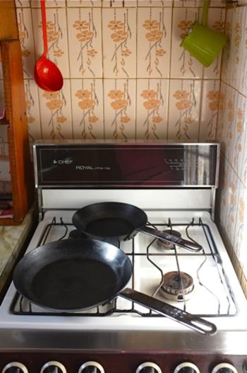 鋳物よりも軽く、手早く調理ができるスチール製のスキレットです。これなら人気のスキレット料理に気軽に挑戦できますよ。