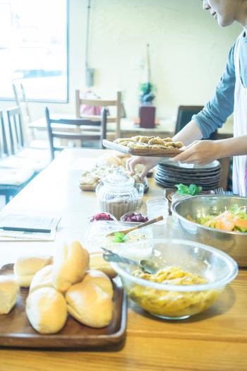 キッチンアイテムって種類が多すぎて、どれを選べばいいか迷ってしまいますよね。そこで今回は、料理上手さんが実際に使っている愛用品を、おすすめポイントやそのアイテムを使ったレシピなどと合わせてご紹介します!