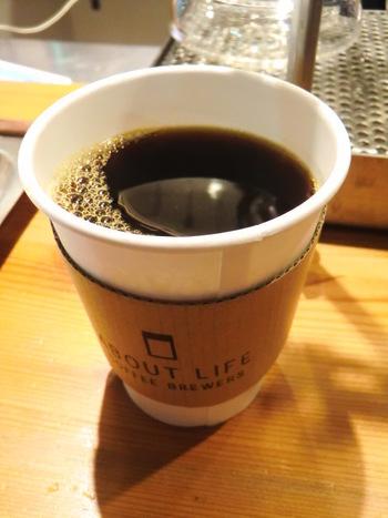 オリジナルブレンドは、エチオピア、グァテマラ、ブラジルの3種類の豆を使用。産地にとどまらず、農園にまでこだわって選び抜いたというこだわりに、コーヒーへの熱い想いを感じます。