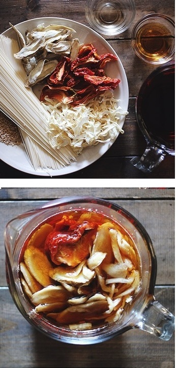 """梅雨や台風の襲来痔など、外出を控えたい日の""""非常食""""として、おぼえておきたいレシピの1つ。"""