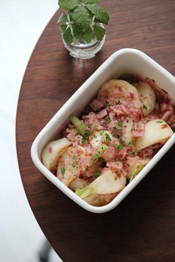 焼いて甘みを出したかぶと、ハムを漬け込んだマリネ。常備菜にぴったりで、パスタやサラダの具にも使えるそうですよ♪