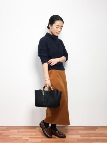 いかがでしたか?上品なタイトスカートは、組み合わせるアイテム次第で、オンオフ共に活躍してくれる便利なアイテムです。今回の記事を参考に、ぜひ『タイトスカート』を取り入れたコーディネートを楽しんでみてくださいね!