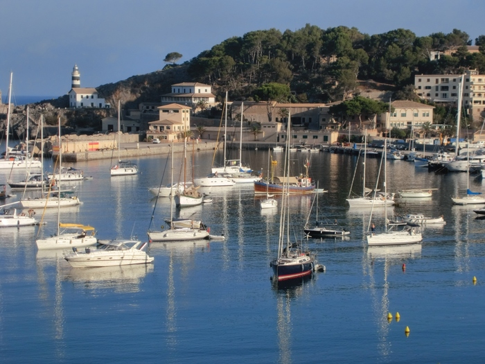 美しい港町、ポルト・デ・ソーイェル。