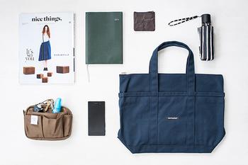 荷物もたくさん入って、気軽に使えるトートバッグ。普段使いのバッグとして、重宝している方も多いと思います。
