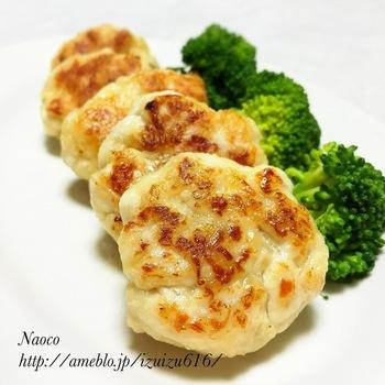 ささっと10分で作れるささみの時短メニューです。チーズの焦げ目が香ばしく、冷めても美味しいのでお弁当のおかずにもおすすめです。