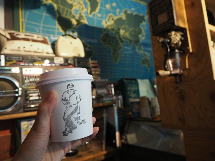オリジナルグッズや豆の販売もあります。毎日の生活の中で上質なコーヒーを楽しめるように・・・そんな気持ちが伝わってくるショップです。