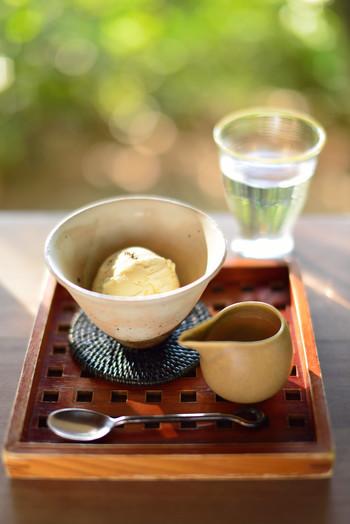 お店に辿り着いたら美味しいデザートが待ってますよ♪ 春は柔らかな日差しを感じながら、夏は濃厚な緑を感じて森林浴をしながら、秋は色づく紅葉を眺めながら、冬は京都らしい寒さを体感しながら、山上りの時間も楽しんでくださいね。
