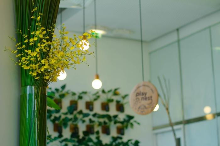 お部屋を素敵に彩ってくれるおすすめの「照明」を紹介してきました。 「照明」を変えるだけで部屋の雰囲気も大きく変わるものです。素敵な部屋のコーディネートの参考にしてみて下さいね。