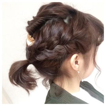 短めヘアさんでも可愛くアレンジできちゃう三つ編みアレンジ。おくれ毛を残して適度なルーズ感を出すのが◎