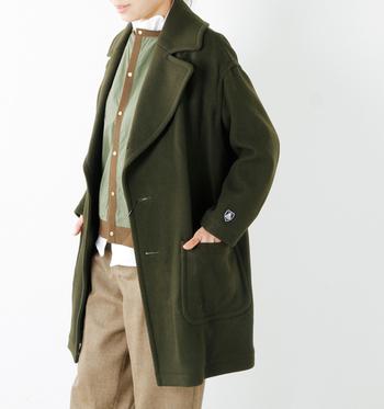 ORCIVAL(オーチバル・オーシバル)のウールコートも大切に着たい一枚。普段のお手入れ次第で長く着られます。