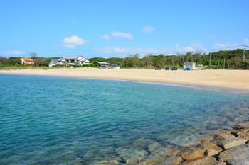 環境省が認定した「日本の快水浴場100選」に選ばれている「芥屋海水浴場」。透明度が高く美しい海は、比較的浅く波も穏やか。夏は海の家でBBQをしたり、SUNSETライブや花火が上がる日もあるのでおすすめです♪