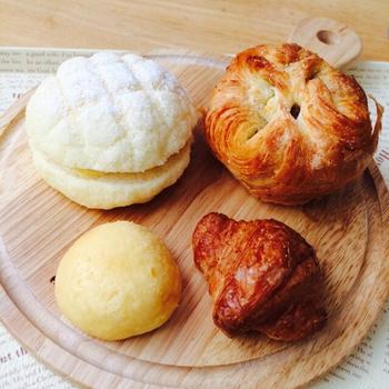 コロコロとした小ぶりな可愛いパンは女性に嬉しいサイズです。