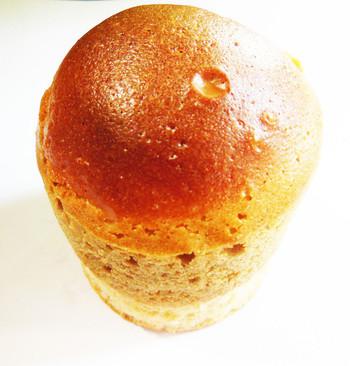 """ドーム型のパンは""""シンフォニー""""というカラメルのビスキーが乗ったものだそうです。"""