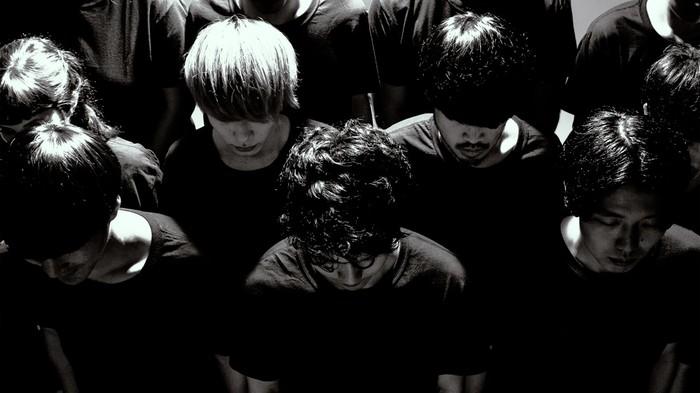 最初にご紹介するのはyahyel。2015年に結成し、その日本人離れしたボーカルやエレクトロ、インディR&B、ポスト・ダブステップ、ベース・ミュージックなどのエッセンスを取り入れた新世代の音楽で、今最も注目されているバンドの1組です。