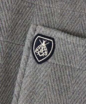 1939年フランス・リヨンでチャールズ・バルト氏が立ち上げました。ORCIVALというブランド名はフランス中部にある小さな村の名前が由来です。950~60年代にはフランス海軍でORCIVALのマリンTシャツが制服として採用されて、一躍有名なブランドになりました。