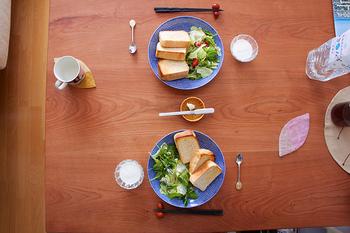 さあ、パンが焼けたよ〜。今日はどんなジャムで食べようかな?手作りのジャムを用意して彩り豊かな楽しい朝食にしましょう♪