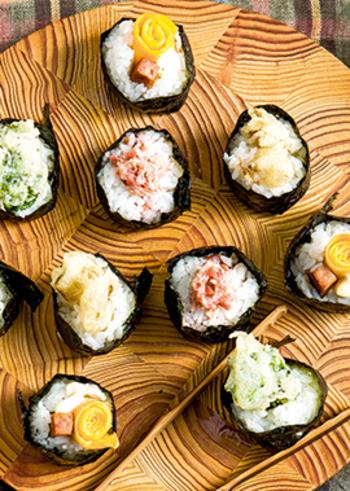卵やランチョンミート、菜の花や舞茸を天ぷらにして天むす風に仕上げたこむすび4種。普通のおにぎりもいいですが、たまにはちょっと変わったスタイルにしてみるのも新鮮で楽しいですね!片手で持ってパクッと食べられるので、ちょっとご飯ものでお腹を満たしたい…そんなゲストさんの心を掴んでくれるハズ!