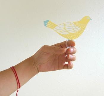 「ありがとう」や「おめでとう」を届けます。ひとつひとつ丁寧に作られたハンドメイドのメッセージカード。 作り手:ROCCA(日本)