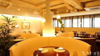 Caféのような明るいおしゃれな空間で、絶品中華(四川料理)が味わえます♪