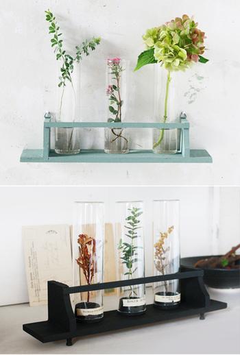 そんな時は、照明を明るいものに取り換えるだけでも大丈夫。また、間接照明やクリスタル、ガラスの置物で明るさを倍増させるのも◎。お花を飾る器をガラスにして、常にピカピカにしているだけでも、気持ちの良い空間になりますね。