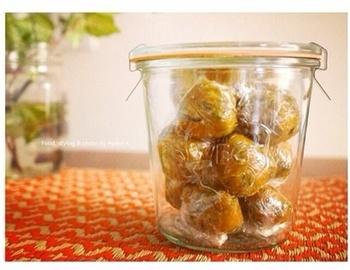 味噌玉は、お家で簡単に作れるうえに保存がききます。 通常は冷蔵保存されている方が多いですが、時間のある時にまとめて作って冷凍保存すれば1ヶ月はもつそうなので便利ですね。