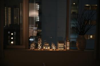 おやすみ前にキャンドルを灯すのも、ロマンチックですよね。素敵なキャンドルケースは日中もインテリアになるのでとっておきのお気に入りを見つけてください。うっとりして、そのまま寝てしまわないようにご注意を◎