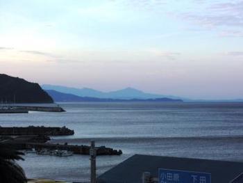 お天気のいい日は夕日に染まっていく絶景の景色をお風呂から見れるんです。