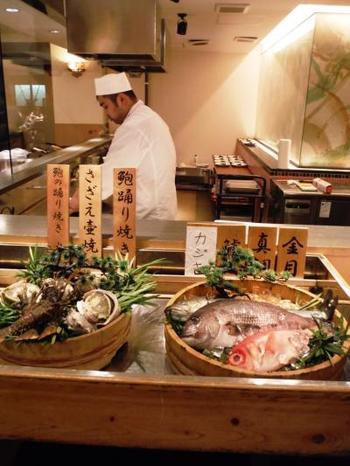 海鮮料理は、毎朝稲取漁港で水場した新鮮な魚介です。太平洋の活きのいい海の幸を存分に味わうことが出来ます。