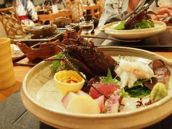 お料理は南伊豆らしい、S級サザエや伊勢海老を堪能できます。