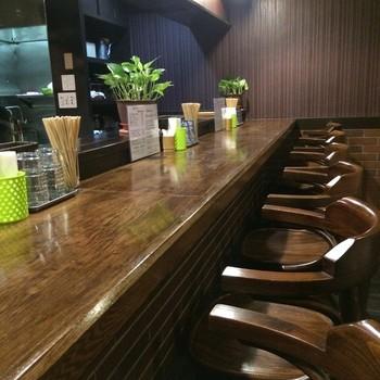 レトロな喫茶店というような店内。 この雰囲気には、落ち着いてしまいます。