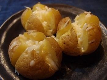 日本人にとってお米が欠かせないように、イギリス人にとって欠かせないジャガイモを使ったメニューとして、古くからイギリス国民に愛される素朴派料理。学校給食のメニューにも登場する、国民的メニューです。