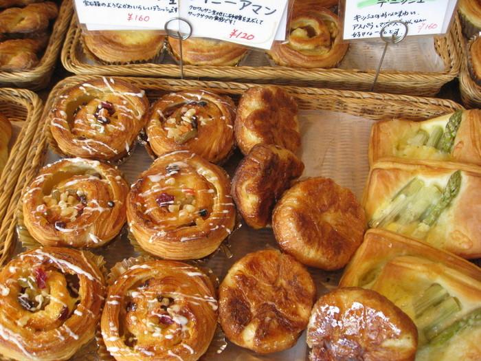 「道南で生産されている素晴らしい食材を、パンを通じて知ってもらいたい」と語る店主のとおり、地元の素材を自ら足を運んで味を確かめパンに使用するというこだわりよう。