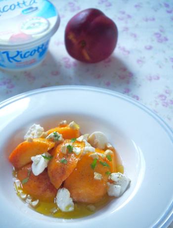 作り方はとっても簡単!なのにお洒落で、シャンパンにぴったり!桃の香りを思う存分楽しめる一品。