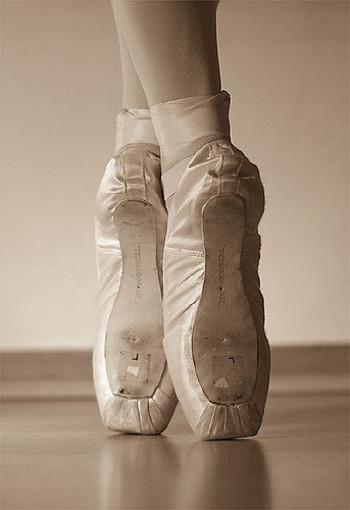 全てのダンスの基本と言えるクラシックバレエ、子供の頃に憧れた人も多いのでは?