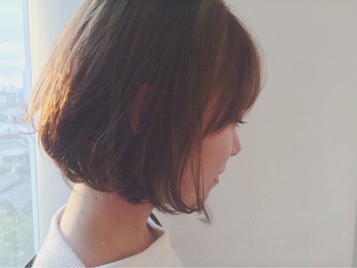 前髪の長さや毛先の処理で雰囲気がガラッと変わるのでストレートヘアでもコテでアレンジしながら長く楽しめそうですね。