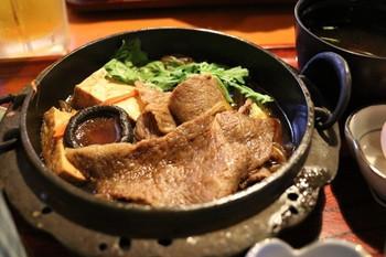 とろけるようなやわらかく甘みのある松阪牛は、三重県に来たならぜひ味わいたいですね。