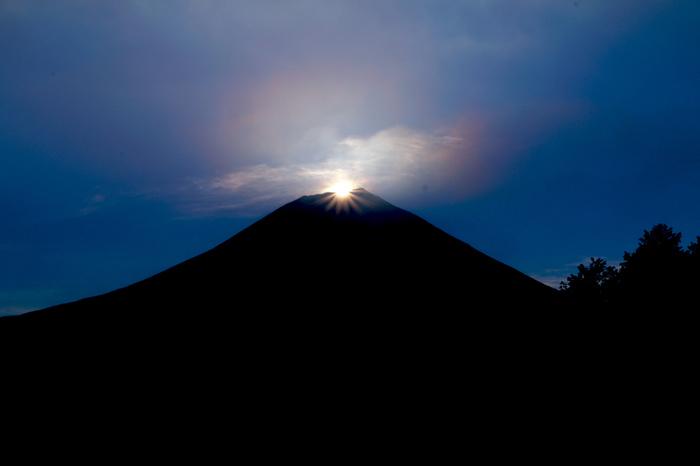 富士山と彩雲。なんだかとっても縁起がいい♪