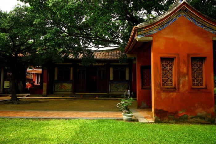孔子廟の敷地内には緑が多く、公園のような雰囲気になっています。ときには敷地内で演奏会なども行われており、地元の人々の憩いの場として親しまれているそうです。