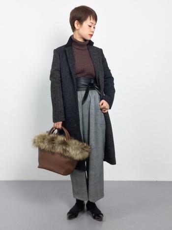 ルーズなウエストラインと絞り気味の裾のパンツをクロップドパンツということが多いそう。大人カジュアルが手軽に叶う、この秋注目のファッションアイテムです♪