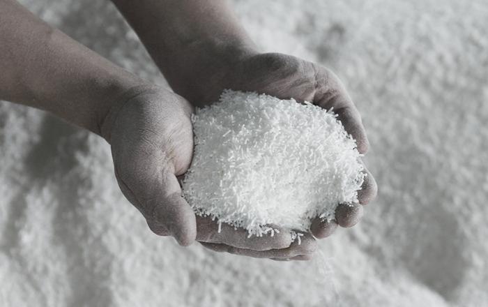創業90年以上の老舗の石鹸メーカー「木村石鹸」がつくる、生活をワンランクアップしてくれる石鹸のプロダクトたち。熟練の職人さんが五感をフルに使って作り上げた純石鹸をベースにしたアイテムたちは、高品質で安心して使えると評判です。