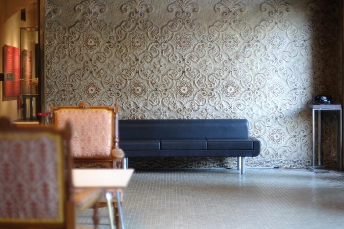 細部の装飾に至るまで繊細にデザインされ、品の良いクラシカルな雰囲気が魅力です。