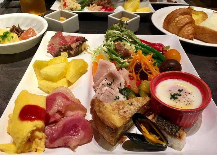 野菜ソムリエのシェフが選んだ兵庫県産を中心とした野菜や手間のかかった和食など、こだわりが詰まったビュッフェは毎日の仕入れによってメニューが変わるそう。