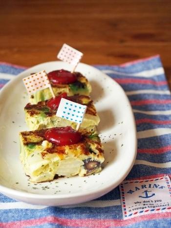 多く作りすぎてしまったポテトサラダをスパニッシュオムレツにリメイク♪野菜をたっぷり入れて、栄養バランスも抜群です。