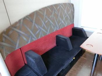 家族や仲間と楽しくゆったり過ごせるボックス席。 シートをアレンジして好みの形にできるのも嬉しい♪